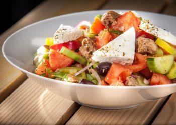 elliniki-salata