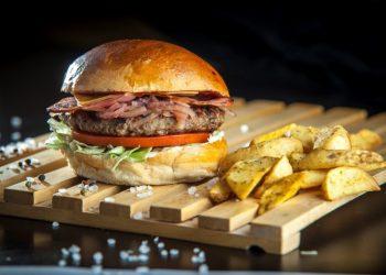 rocky-burger-mosxarisio